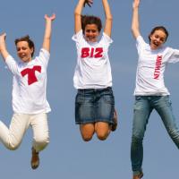 Jumping Girls2